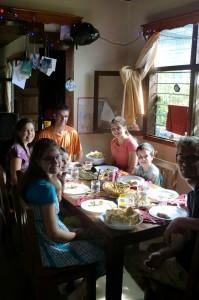 De avond voor Kerst vierden we dit feest met onze vrienden met een heerlijke maaltijd.